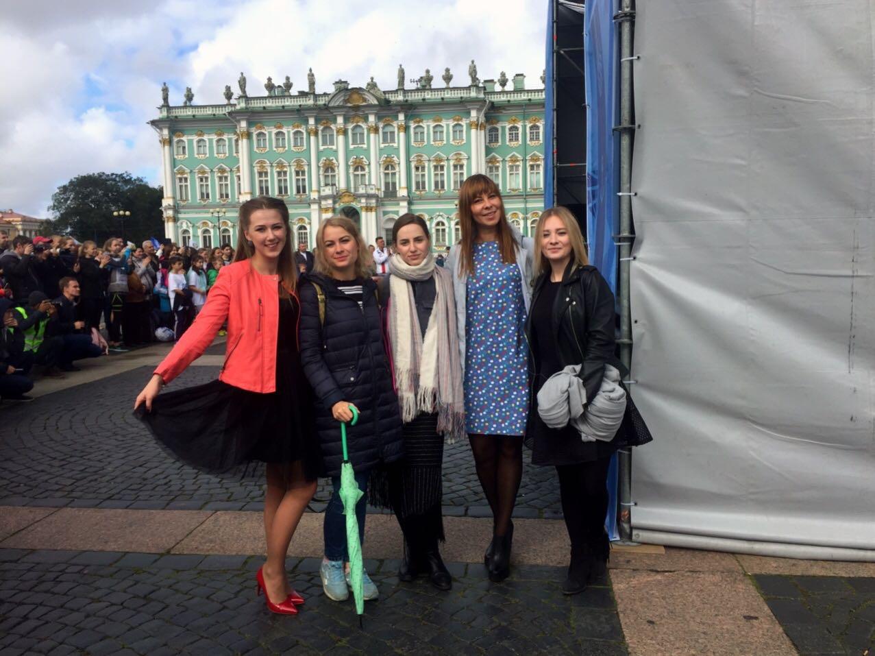 Девушки на василеостровского